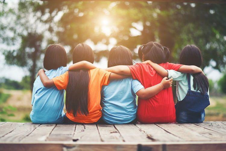 روابط اجتماعی با دوستان